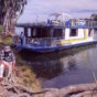 TYING-UP-THE-HOUSEBOAT-ON-THE-BANKS-OF-AUSTRALIAS-MURRAY-RIVER-–-IMAGE-CREDIT-ANDREW-MARSHALL.jpg