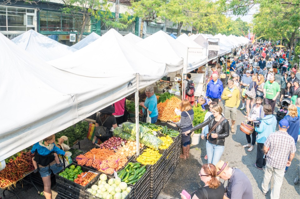 Farmers-Market-credit-Visit-Seattle-Alabastro-Photography